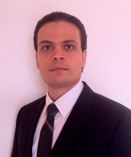 Dr. Eduardo Pesarini